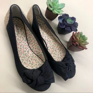 X-appeal dark denim with rope flats size 9